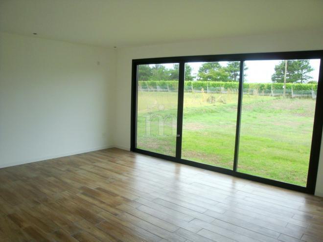 Vi edos de la tahona casa minimalista en vi edos de la for Casa minimalista uruguay