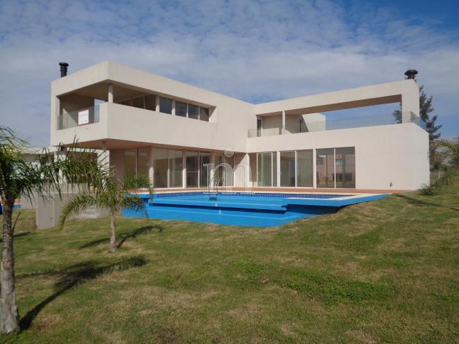 Altos de la tahona casa a estrenar en altos de la for Casa minimalista uruguay